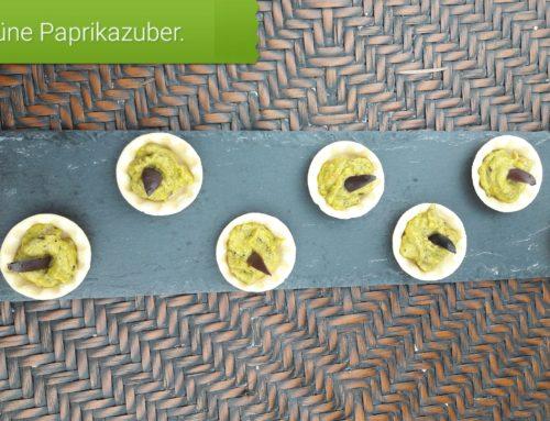 Sommerernte Party Cups mit grünen Ajvar